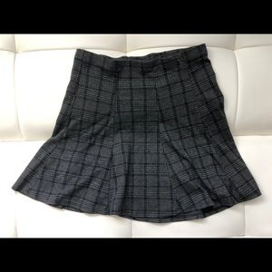 Grey and black plaid skirt